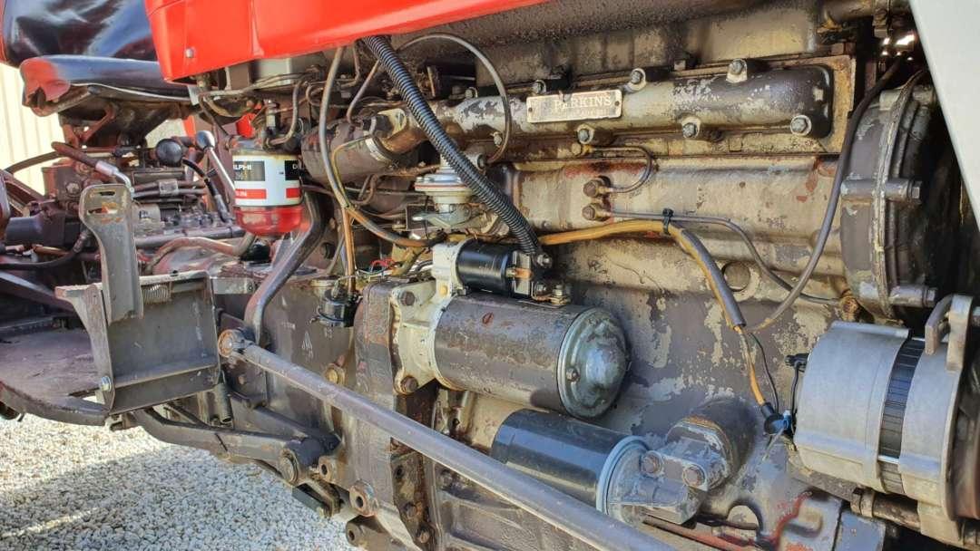 Massey Ferguson 158 de 1976 moteur