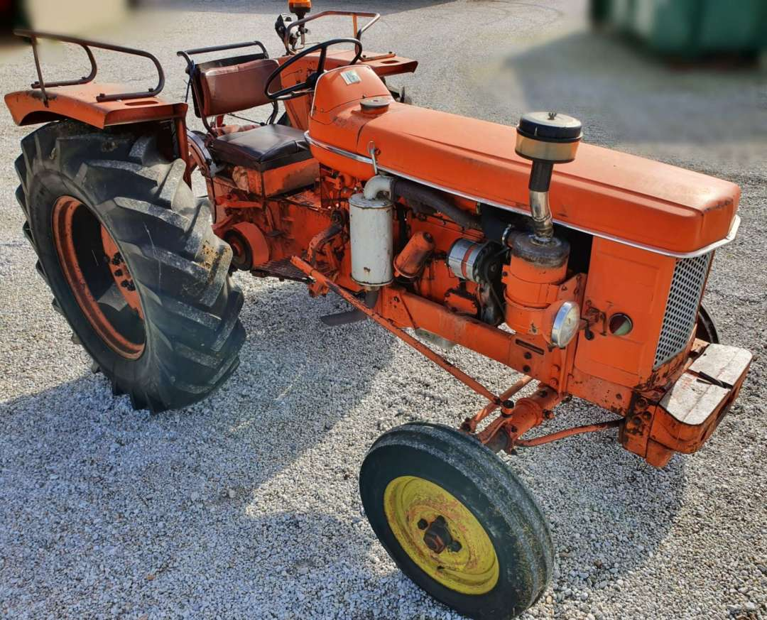 Tracteur Renault Super 5 R7054 3/4 avant droit